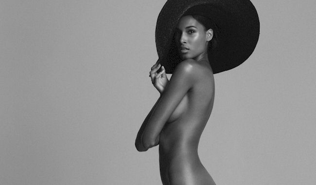 Cindy Bruna Topless