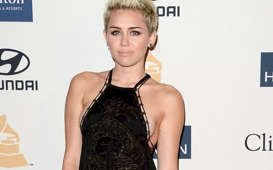 Miley side boob grammy opinion you