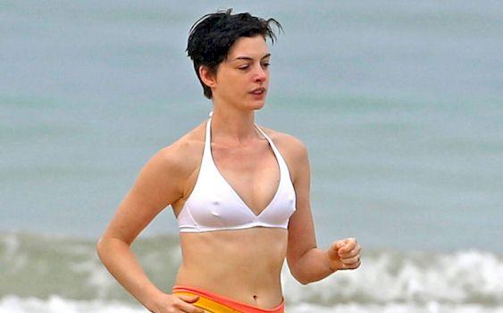 Menounos beach pokies maria