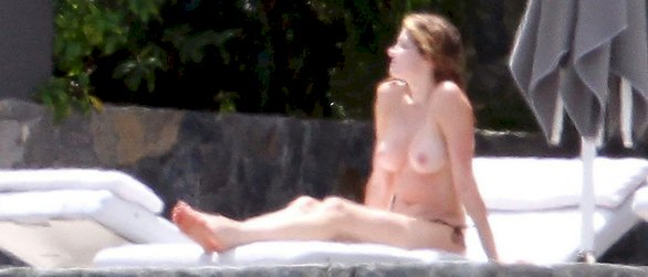 Stephanie Seymour topless