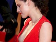 Kristen Stewart Side-Boob!