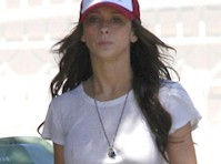 Jennifer Love Hewitt Takes Out the Trash