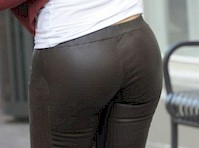 Maria Menounos in Leather Pants