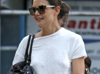 Katie Holmes Without a Bra