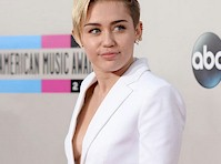 Miley Cyrus Side Boob at the 2013 American Music Awards