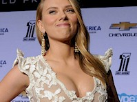 Scarlett Johansson Cleavage at Captain America 2 Premiere
