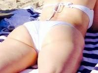 Jennifer Lopez Bikini Ass Pic!