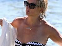 Miranda Lambert Bikini Candids!
