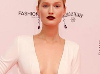 Toni Garrn Cleavage at the Bambi Awards!