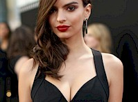 Emily Ratajkowski Cleavage at the Hollywood Film Awards!