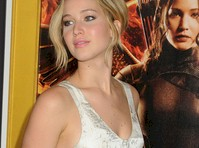 Jennifer Lawrence is Pretty at Hunger Games Premiere!