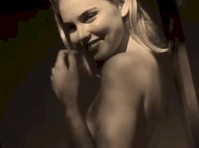 Video of Kayslee Collins Posing Nude!