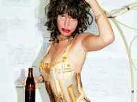 Paz de la Huerta did a Weird Photo Shoot!