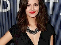 Victoria Justice is Pretty in Black!
