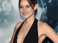 Shailene Woodley and More Showing Cleavage at Insurgent Red Carpet!