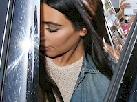 Kim Kardashian Panty Upskirt!