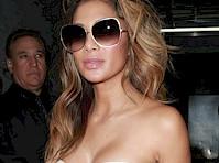 Nicole Scherzinger's Cleavage in New York!