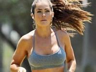 Shannon Decker Works Out in a Sports Bra!