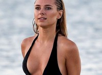 Kimberley Garner in a Sexy Swimsuit!