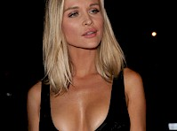 Joanna Krupa's Cleavage going for a Bite to Eat!