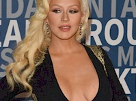Christina Aguilera Cleavage in a Sexy Black Dress!