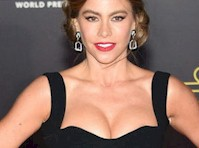Sofia Vergara's Cleavage at Star Wars Premiere!