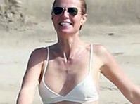 Gwyneth Paltrow in a Bikini!