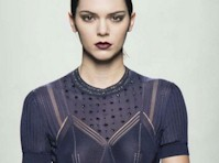 Kendall Jenner Slight See Through on the Runway!