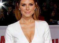 Hail, Maria Menounos' Cleavage!