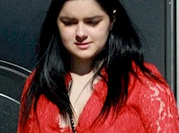 Ariel Winter is Leggy in Red!