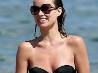 Olivia Wilde in a Strapless Bikini!