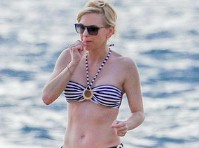 Anna Faris in a Bikini at the Beach!