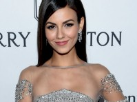 Victoria Justice Looks Good in Silver!