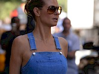 Heidi Klum is Braless in Overalls!