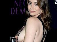 Sophie Simmons Sideboob for <em>The Neon Demon</em>!