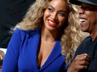 Beyonce Cleavage at a Basketball Game!