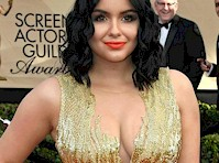 Ariel Winter Cleavage at the 23rd annual <em>SAG Awards!</em>