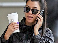 <em>Kourtney Kardashian&#8217;s</em> Crotch in Leggings!