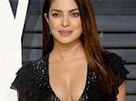 <em>Priyanka Chopra&#8217;s</em> Cleavage at the <em>Vanity Fair Oscar Party!</em>