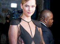 <em>Karlie Kloss</em> in a Sexy Outfit at a Gala!