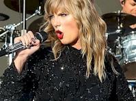 Taylor Swift The Nip Slip