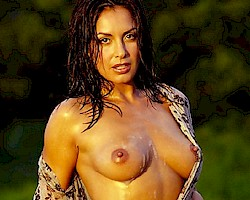 nackt Mesones Monica 41 Sexiest